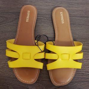 Express Flat Sandals